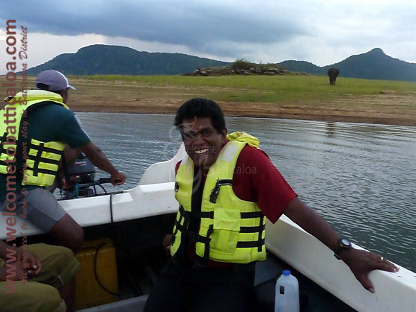 Amara Tours 27 - Sri Lanka - Chauffeur Guide Lecturer
