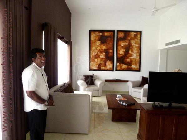 Amara Tours 33 - Sri Lanka - Chauffeur Guide Lecturer