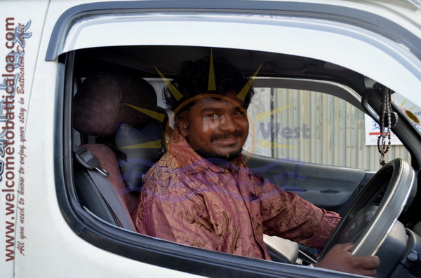 East N' West on Board 05 - Drivers Vehicles Guides Vans Cars Auto - Batticaloa Passikudah