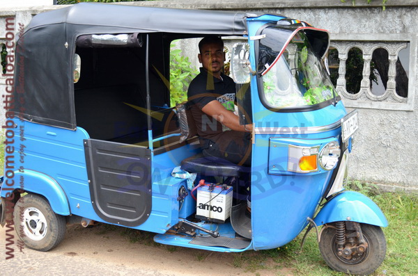 East N' West on Board 19 - Drivers Vehicles Guides Vans Cars Auto - Batticaloa Passikudah