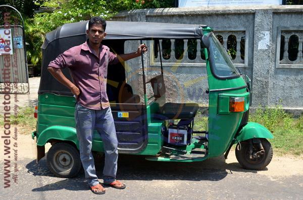 East N' West on Board 22 - Drivers Vehicles Guides Vans Cars Auto - Batticaloa Passikudah