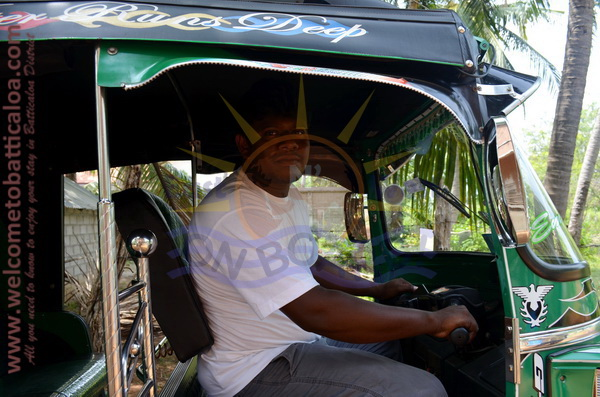 East N' West on Board 27 - Drivers Vehicles Guides Vans Cars Auto - Batticaloa Passikudah