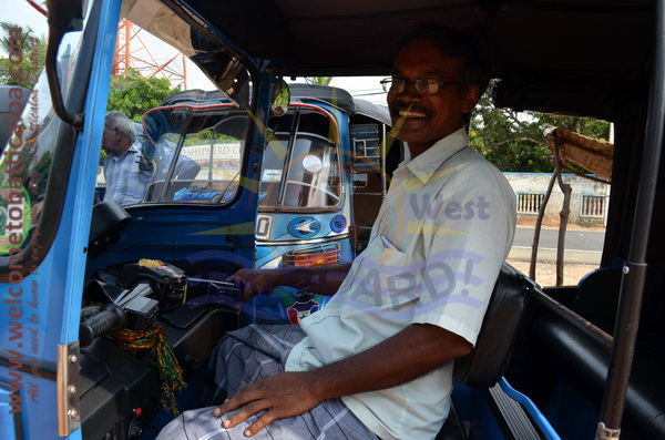 East N' West on Board 31 - Drivers Vehicles Guides Vans Cars Auto - Batticaloa Passikudah