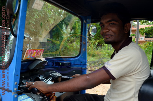 East N' West on Board 40 - Drivers Vehicles Guides Vans Cars Auto - Batticaloa Passikudah